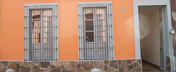 img-accommodation